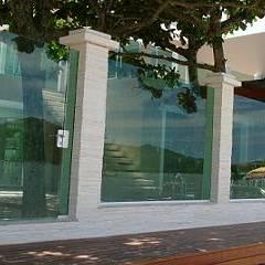 muro de vidro temperado